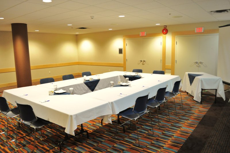 Holiday Inn Express & Suites Langley-Meeting Room<br/>Image from Leonardo