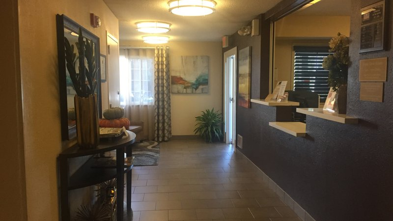 Candlewood Suites Dallas - By The Galleria-Lobby 2<br/>Image from Leonardo
