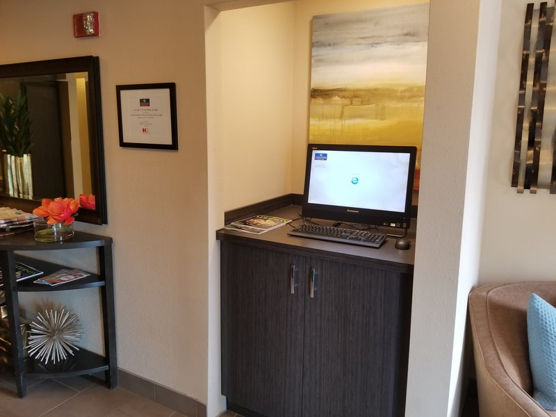 Candlewood Suites Dallas - By The Galleria-Business Center<br/>Image from Leonardo