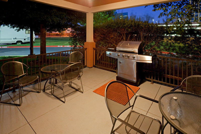Candlewood Suites Dallas - By The Galleria-Gazebo and Gas Grill<br/>Image from Leonardo