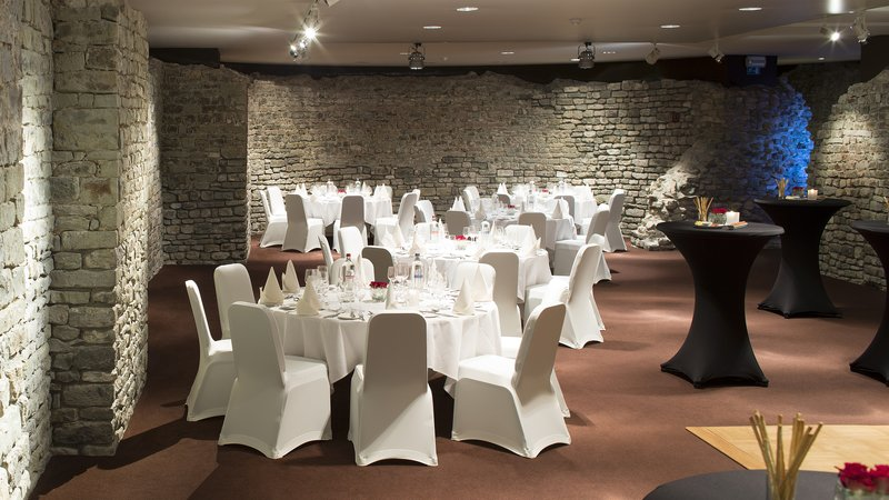 Crowne Plaza Brugge-Crowne Plaza Brugge Sint Donaas function room<br/>Image from Leonardo