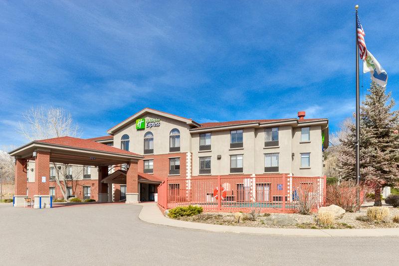 Holiday Inn Express Glenwood S-Hotel Exterior<br/>Image from Leonardo