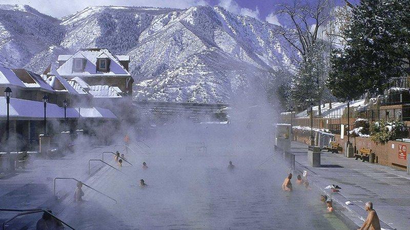 Holiday Inn Express Glenwood S-Glenwood Hot Springs Pool<br/>Image from Leonardo
