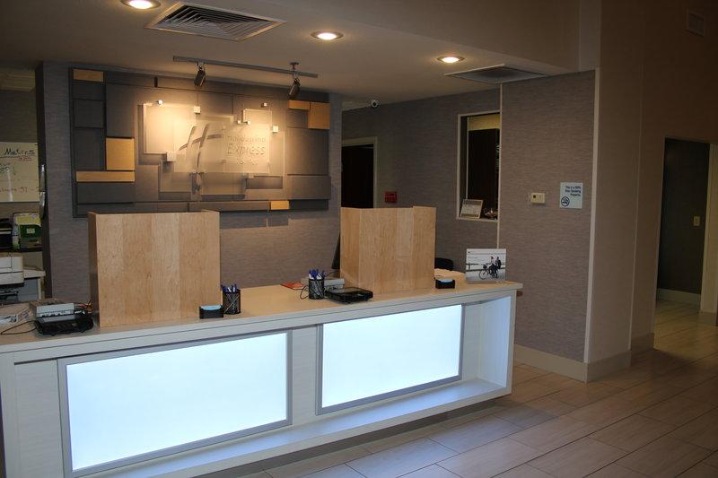Holiday Inn Express & Suites Douglas-Front Desk<br/>Image from Leonardo