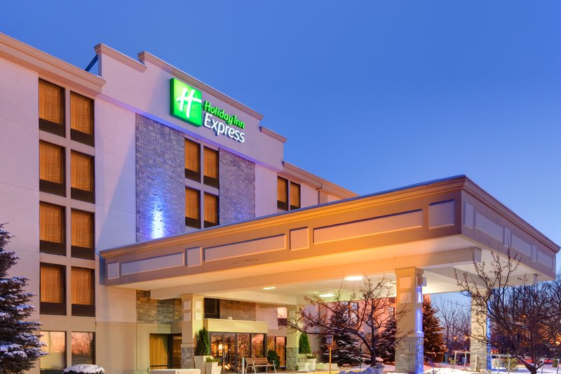 Holiday Inn Express Flint-Campus Area-Entrance<br/>Image from Leonardo
