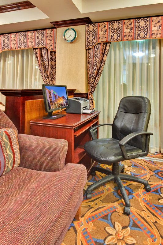 Holiday Inn Express Flint-Campus Area-Business Center<br/>Image from Leonardo