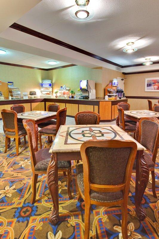 Holiday Inn Express Flint-Campus Area-Breakfast Bar<br/>Image from Leonardo