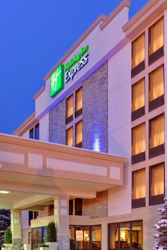 Holiday Inn Express Flint-Campus Area-Hotel Exterior<br/>Image from Leonardo