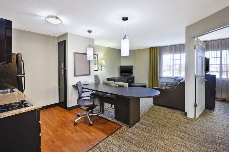 Candlewood Suites Indianapolis Airport-Deluxe Room<br/>Image from Leonardo