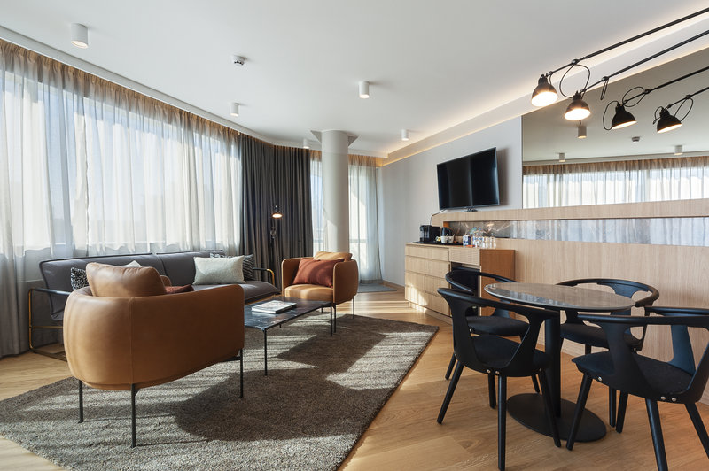 Holiday Inn Helsinki - Exhibition & Convention Centre-Spacious suites feature a small balcony and nice living room<br/>Image from Leonardo