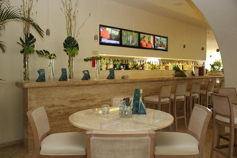 Crowne Plaza Vilamoura - Algarve-Caravela Bar & Lounge<br/>Image from Leonardo