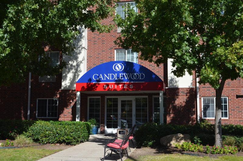 Candlewood Suites Arlington-Hotel Exterior Front Entrance Daytime<br/>Image from Leonardo