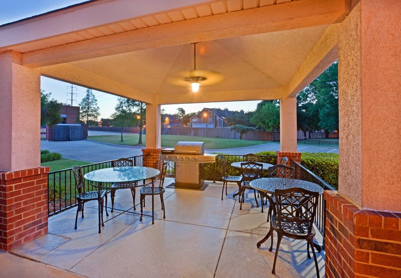 Candlewood Suites Arlington-Guest Gazebo and grill area<br/>Image from Leonardo
