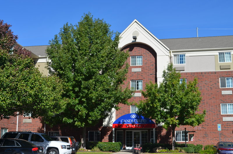 Candlewood Suites Arlington-Hotel Exterior Front View Daytime<br/>Image from Leonardo