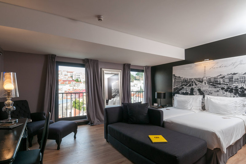Autograph Collection Fontecruz Lisboa-Deluxe Twin/Twin Guest Room - Old Town View<br/>Image from Leonardo