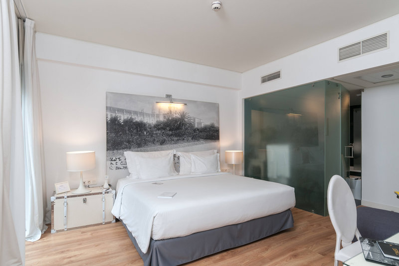 Autograph Collection Fontecruz Lisboa-White Balcony King Guest Room<br/>Image from Leonardo