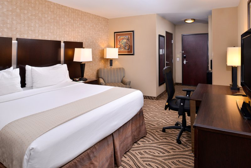 Holiday Inn Fort Worth North-Fossil Creek-Guest Room<br/>Image from Leonardo