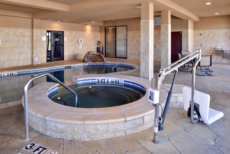 Holiday Inn Fort Worth North-Fossil Creek-Whirlpool<br/>Image from Leonardo