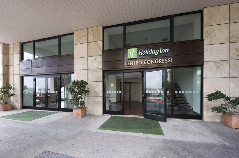 Holiday Inn Naples-Conference Centre Entrance<br/>Image from Leonardo