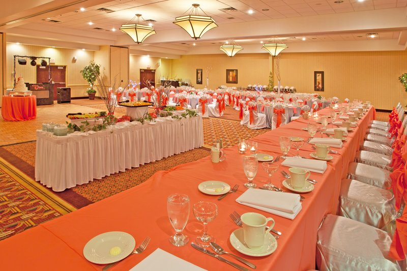 Holiday Inn Flint - Grand Blanc Area-Banquet Reception<br/>Image from Leonardo