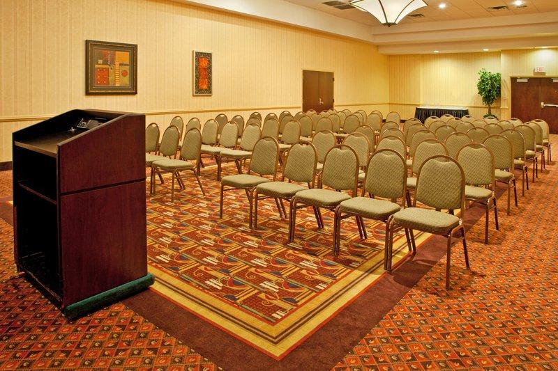Holiday Inn Flint - Grand Blanc Area-Theater<br/>Image from Leonardo