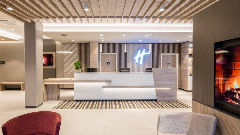 Holiday Inn Mannheim City Hauptbahnhof-Holiday Inn Reception<br/>Image from Leonardo