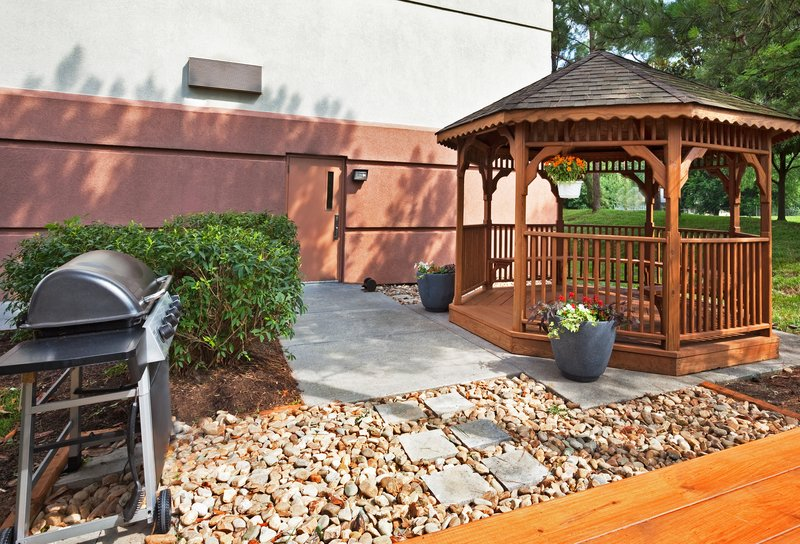 Candlewood Suites Knoxville-Make yourself at home in the outdoor BBQ/Gazebo area<br/>Image from Leonardo