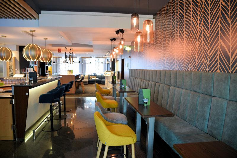 Holiday Inn Salzburg City-Open Lobby - Lobby Bar<br/>Image from Leonardo