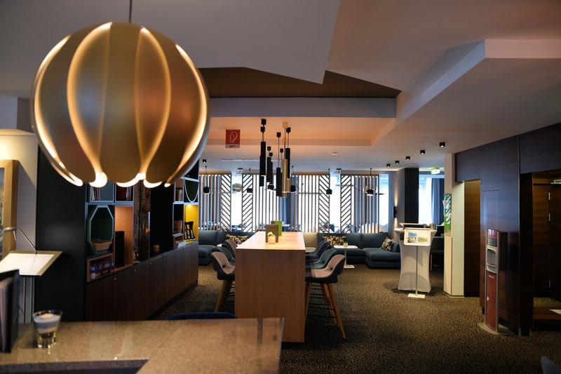Holiday Inn Salzburg City-Open Lobby - Bar Lounge<br/>Image from Leonardo