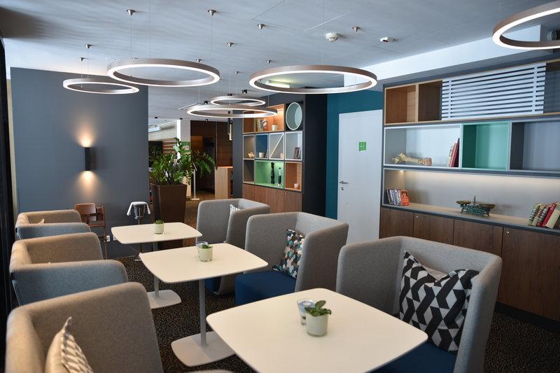 Holiday Inn Salzburg City-Open Lobby - Arbeiten, Spielen, Essen<br/>Image from Leonardo
