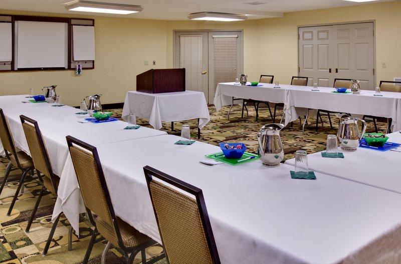 Holiday Inn Express & Suites Pleasant Prairie / Kenosha-Meeting Room<br/>Image from Leonardo
