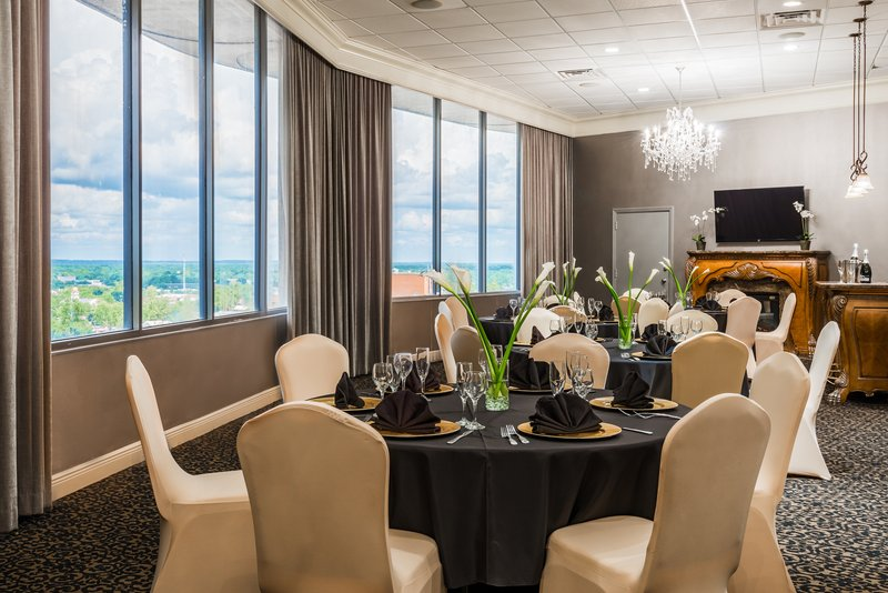 Holiday Inn Mobile - Downtown/Historic District-Club Room<br/>Image from Leonardo