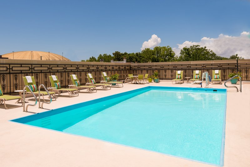 Holiday Inn Mobile - Downtown/Historic District-Swimming Pool<br/>Image from Leonardo