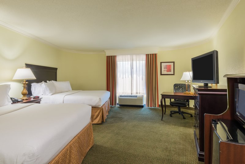 Holiday Inn Mobile - Downtown/Historic District-Two Queen Guest Room<br/>Image from Leonardo