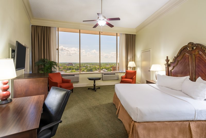 Holiday Inn Mobile - Downtown/Historic District-Parlor Suite<br/>Image from Leonardo