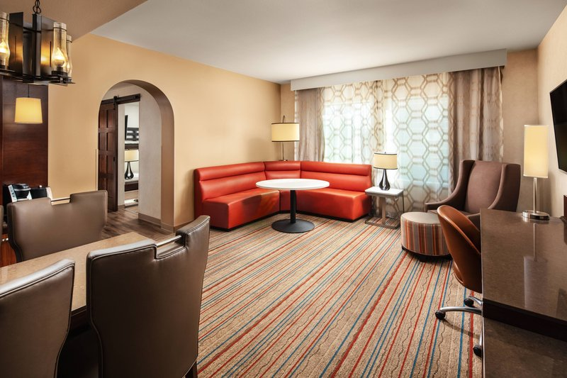 Courtyard Anaheim Theme Park Entrance-One-Bedroom Corner King Suite<br/>Image from Leonardo