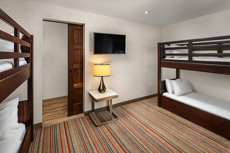 Courtyard Anaheim Theme Park Entrance-One-Bedroom Corner king Suite - Bunk Beds<br/>Image from Leonardo