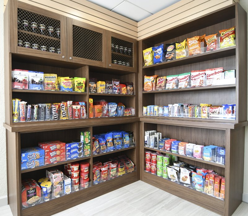Holiday Inn Express & Suites Port Clinton - Catawba Island-Market Pantry when your hungry<br/>Image from Leonardo