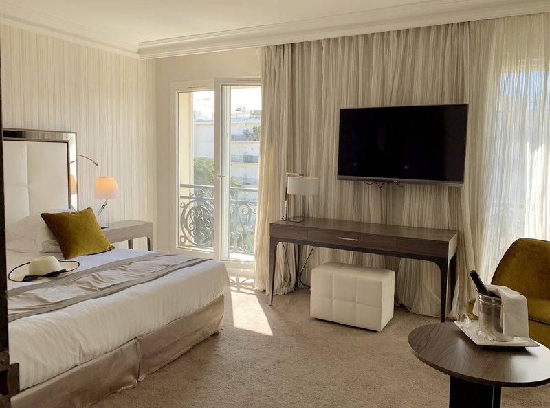 Hotel Canberra Cannes-Junior Suite Piscine<br/>Image from Leonardo