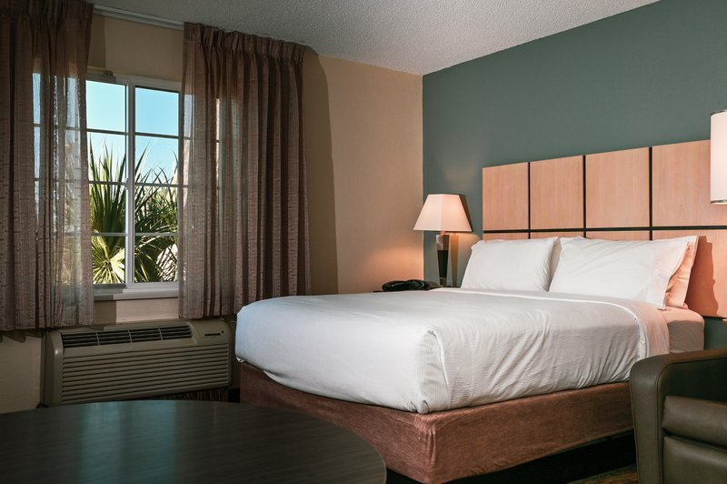 Candlewood Suites Clearwater-Guest Room<br/>Image from Leonardo