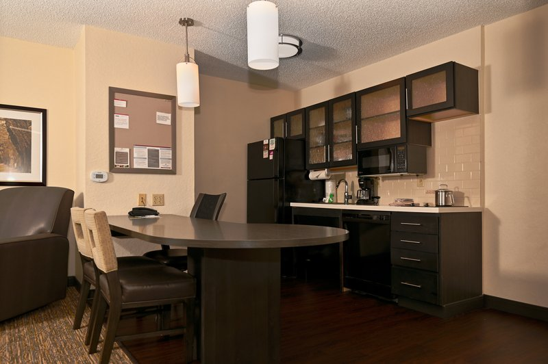 Candlewood Suites Clearwater-Dining and Kitchen<br/>Image from Leonardo