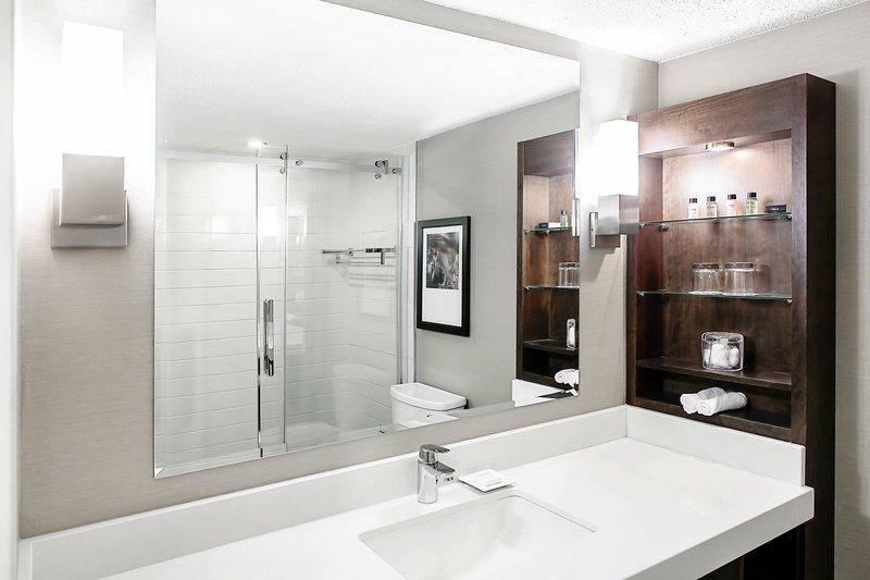 Delta Quebec-Club Level Guest Room - Bathroom<br/>Image from Leonardo