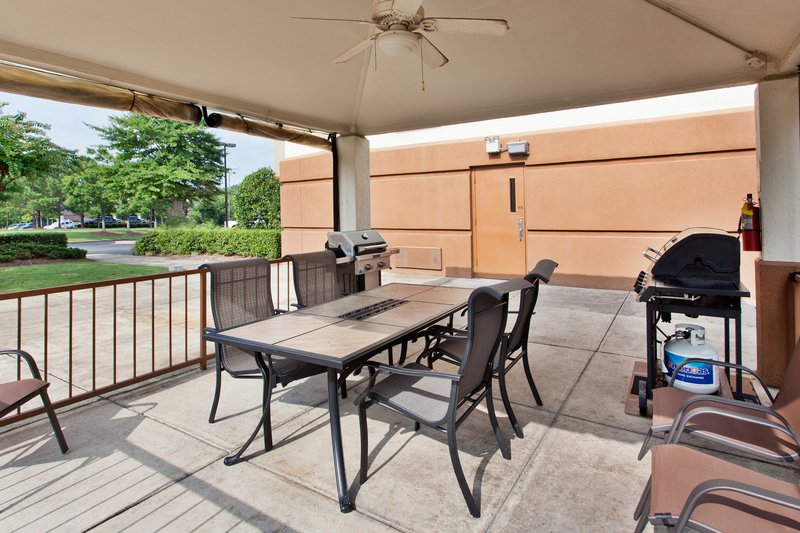 Candlewood Suites Dallas, Ft Worth/Fossil Creek-Guest Outdoor Gazebo with Grills<br/>Image from Leonardo