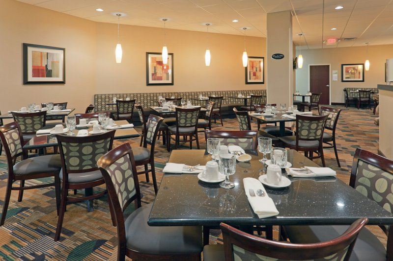 Holiday Inn Hotel & Suites Mansfield-Conference Ctr-Park116 Restaurant<br/>Image from Leonardo