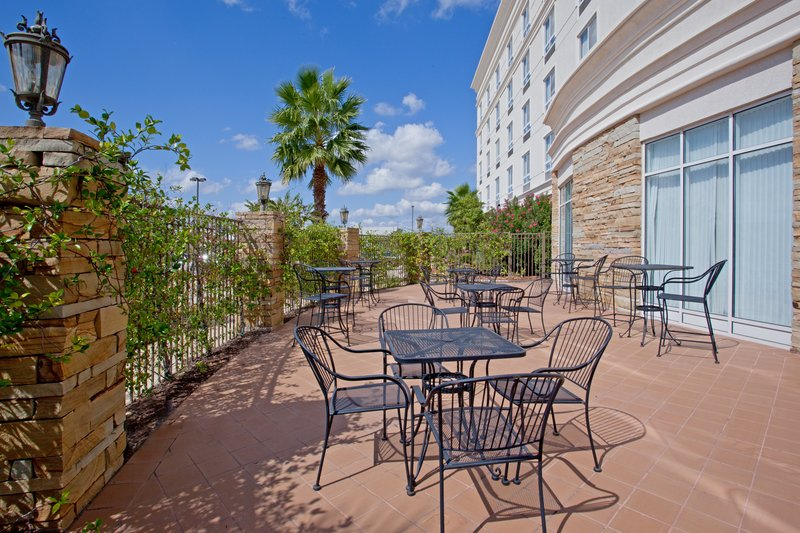 Holiday Inn Hotel & Suites College Station - Aggieland-Enjoy breakfast or cocktails on our Guest Patio<br/>Image from Leonardo