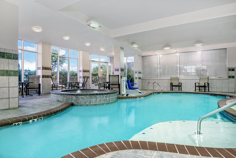 Holiday Inn Hotel & Suites College Station - Aggieland-Swimming Pool<br/>Image from Leonardo