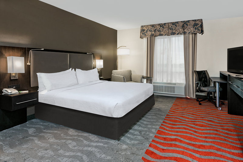 Holiday Inn Hotel & Suites College Station - Aggieland-At the end of a long day, relax in our clean, fresh guest rooms.<br/>Image from Leonardo