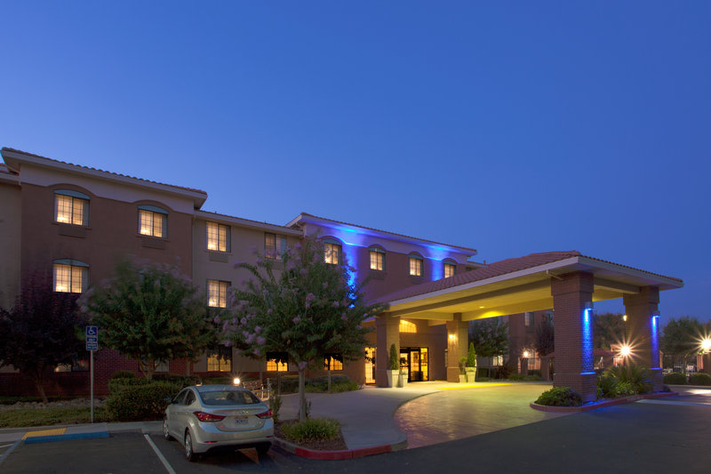 Holiday Inn Express & Suites Davis-University Area-Hotel Exterior<br/>Image from Leonardo