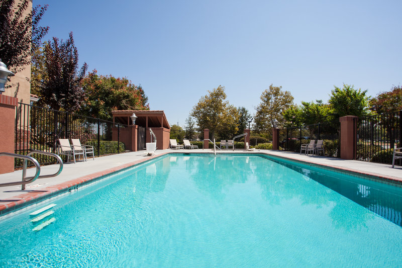 Holiday Inn Express & Suites Davis-University Area-Swimming Pool<br/>Image from Leonardo