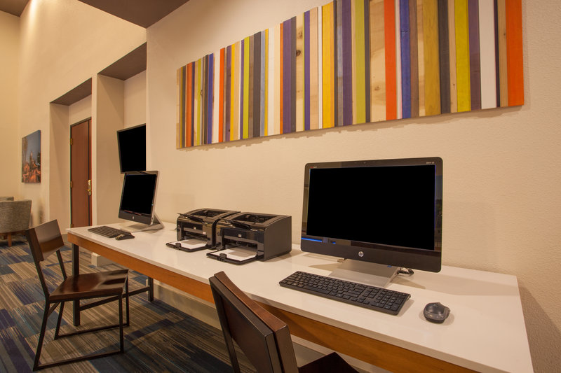 Holiday Inn Express & Suites Davis-University Area-Business Center<br/>Image from Leonardo